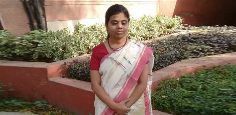 India's-first-blind-woman-IAS-Pranjal-becomes-Sub-Collector